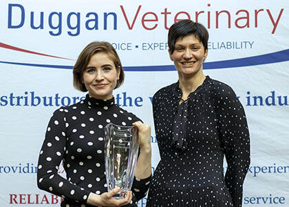Siobhan Wins Inaugural Veterinary Nursing Award