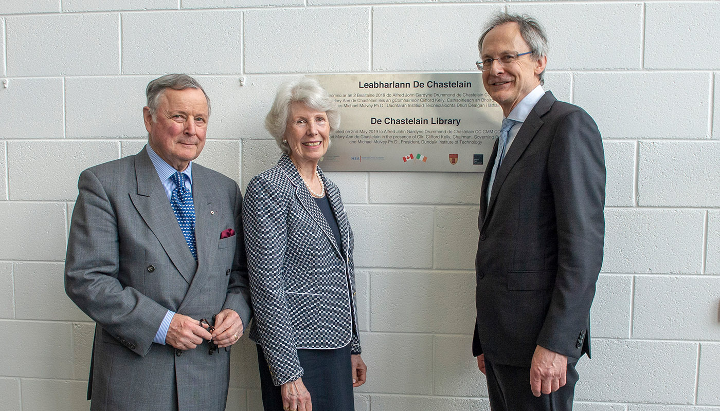 General John de Chastelain and MaryAnn de Chastelain with DkIT President, Michael Mulvey, PhD at the unveiling of the new de Chastelain Library Plaque